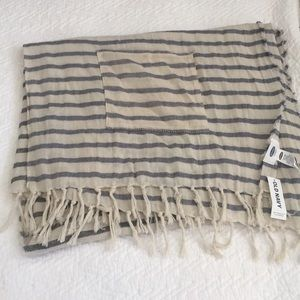 Brand new old navy scarf / wrap